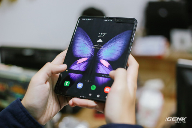 Quan chức nhầm lẫn, Samsung chưa hề bán được 1 triệu máy Galaxy Fold - Ảnh 1.