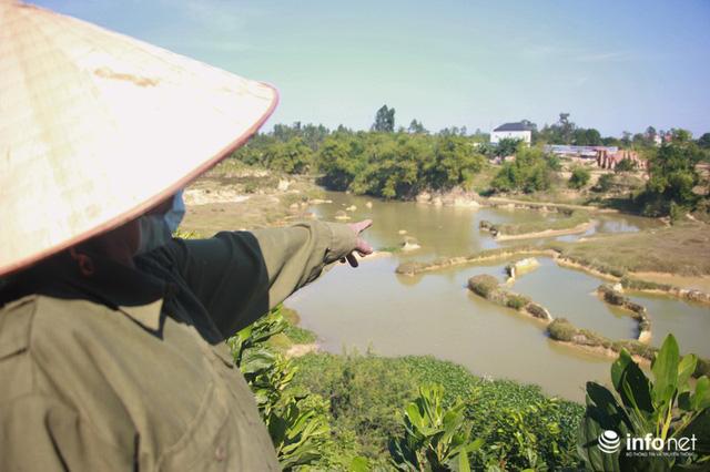Vụ đổ trộm chất thải nguy hại tại Sóc Sơn: Nuôi vịt vịt chết, dân không dám đến gần - Ảnh 11.
