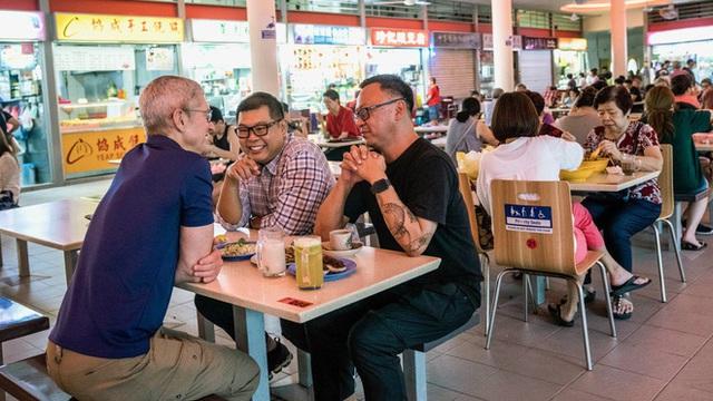 Tim Cook đi chùa, khen ngợi ẩm thực Đông Nam Á - Ảnh 5.