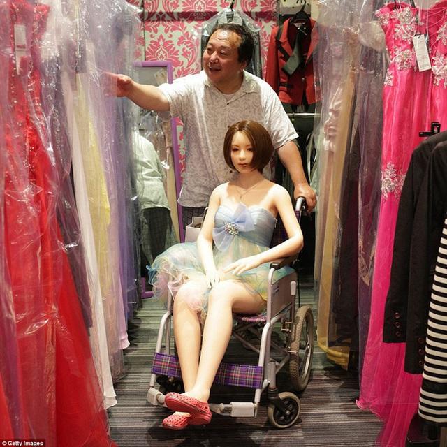Nhiều đàn ông Nhật Bản quyết sống với búp bê tình dục dù có vợ con, hé lộ một loạt những mặt trái của phụ nữ ngày nay - Ảnh 3.