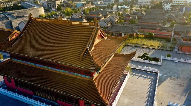 Chi mạnh 7,3 nghìn tỷ xây Tử Cấm Thành fake, tỉnh nghèo Trung Quốc méo mặt vì không ai thèm đến tham quan - Ảnh 3.