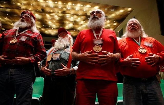 Để kiếm hàng nghìn USD, ông già Noel phải học những gì? - Ảnh 4.
