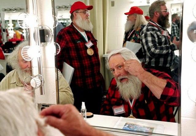 Để kiếm hàng nghìn USD, ông già Noel phải học những gì? - Ảnh 6.