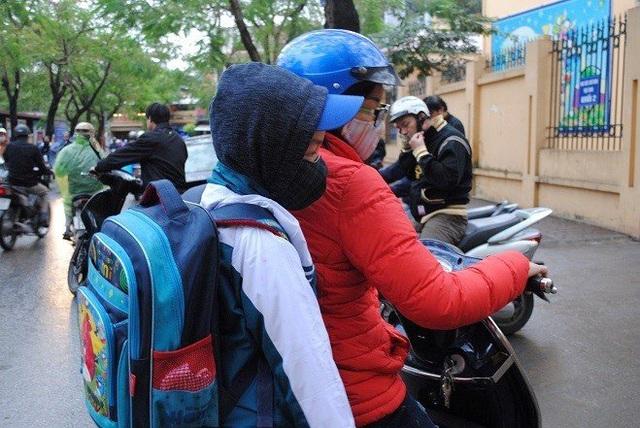 Hà Nội: Cho học sinh nghỉ học nếu không khí ô nhiễm tới mức nguy hại - Ảnh 2.