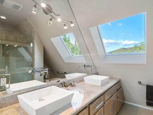 Bên trong kim tự tháp 3 phòng ngủ trên đỉnh núi giá 2 triệu USD - Ảnh 10.