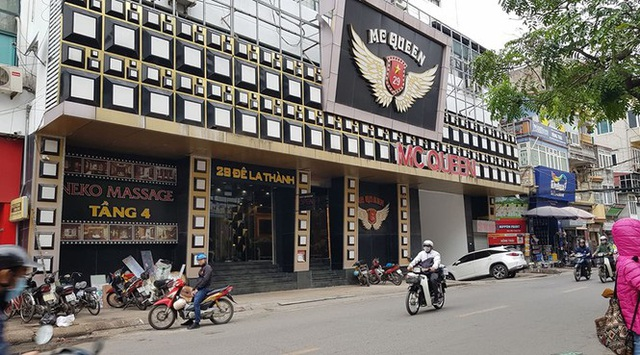Trung tâm thương mại giữa Hà Nội làm chuồng cọp khủng không phép - Ảnh 1.