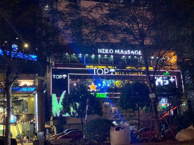 Trung tâm thương mại giữa Hà Nội làm chuồng cọp khủng không phép - Ảnh 2.