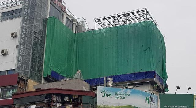 Trung tâm thương mại giữa Hà Nội làm chuồng cọp khủng không phép - Ảnh 4.