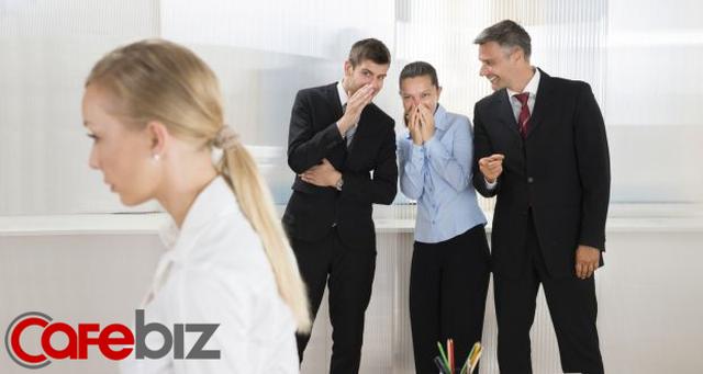 7 kiểu người KHÔNG BAO GIỜ thành công ở nơi làm việc, bạn có thuộc kiểu 'cây gậy mắc kẹt trong bùn? - Ảnh 1.