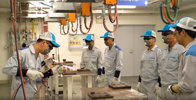 Khám phá nhà máy Daikin trị giá 72 triệu USD thông minh nhất thế giới: 25 giây sản xuất 1 máy lạnh, quản lý bằng công nghệ IoT, chuyên chở linh kiện bằng xe tự hành… - Ảnh 8.