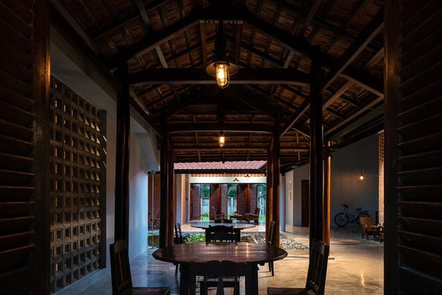 Mãn nhãn với ngôi nhà nội thất toàn bằng gỗ, như ốc đảo giữa nông thôn Việt Nam - Ảnh 14.
