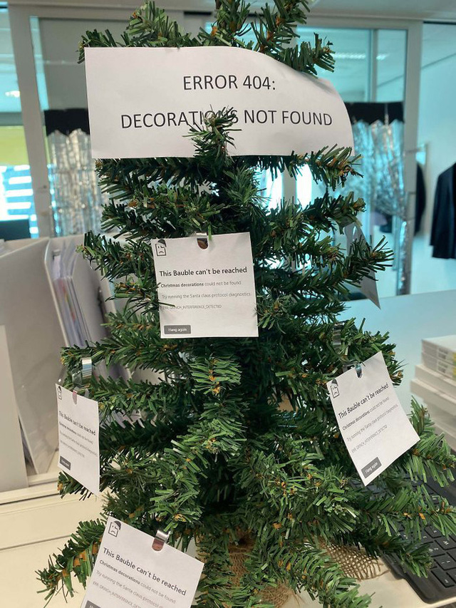 Ngắm 20 cây thông Noel cực chất từ những nhân viên sáng tạo - Ảnh 14.