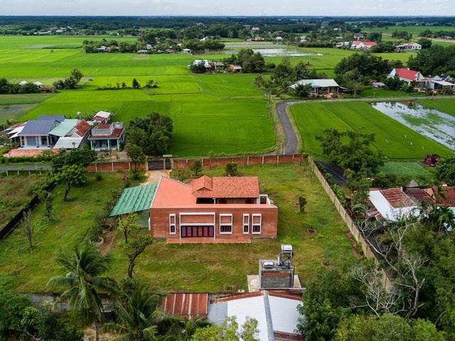 Mãn nhãn với ngôi nhà nội thất toàn bằng gỗ, như ốc đảo giữa nông thôn Việt Nam - Ảnh 15.