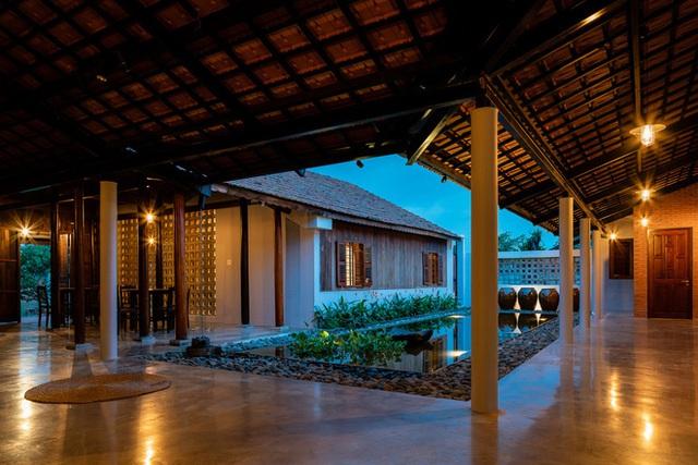 Mãn nhãn với ngôi nhà nội thất toàn bằng gỗ, như ốc đảo giữa nông thôn Việt Nam - Ảnh 5.
