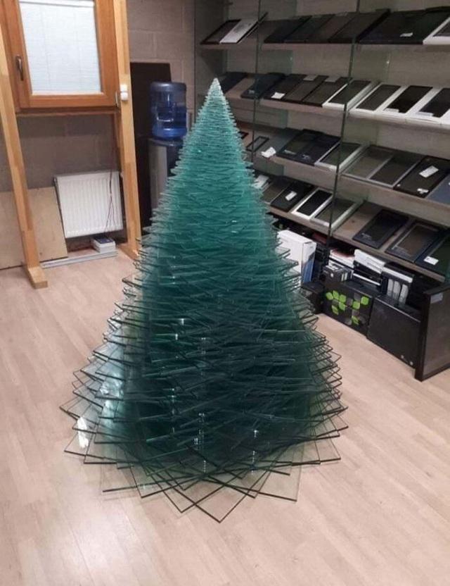 Ngắm 20 cây thông Noel cực chất từ những nhân viên sáng tạo - Ảnh 6.