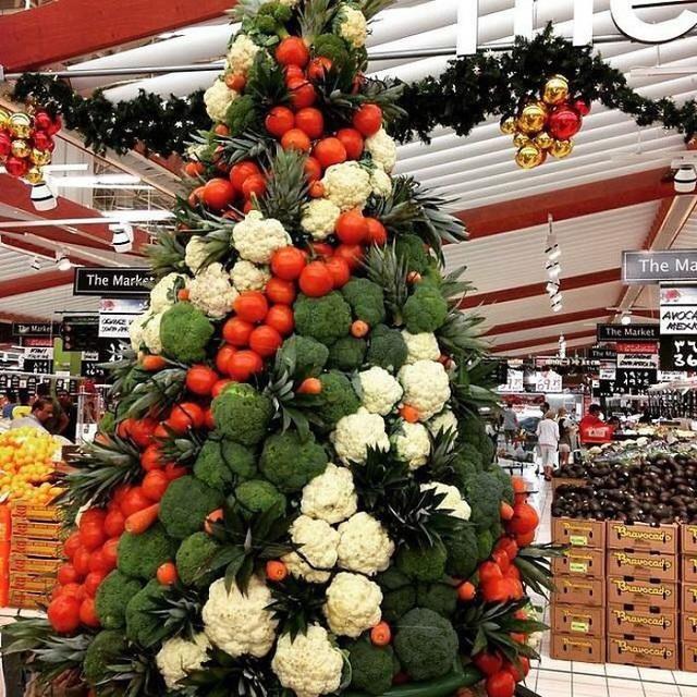 Ngắm 20 cây thông Noel cực chất từ những nhân viên sáng tạo - Ảnh 9.