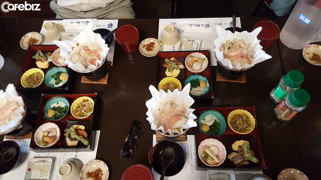 Người Nhật dựa vào đâu sống lâu nhất thế giới? 3 nguyên tắc cơ bản trong bữa tối là chìa khóa giúp họ thọ hơn ta 10 năm - Ảnh 2.