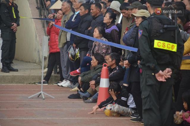 Xét xử thảm án nữ sinh giao gà: Bùi Thị Kim Thu run lẩy bẩy đứng trước vành móng ngựa, liên tục kêu oan - Ảnh 23.