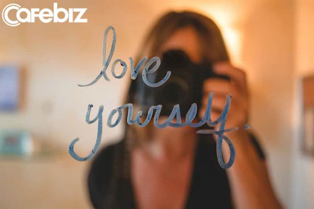 Yêu bản thân không có nghĩa là chiều chuộng hết mức: Không lười biếng, sống kỉ luật, dám đối mặt với khuyết điểm - Ảnh 1.