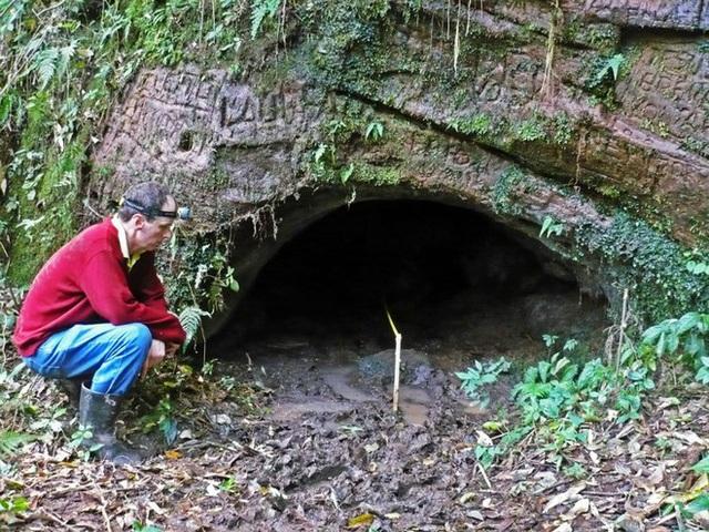Đi tìm lời giải cho những đường hầm đá bí ẩn tại Nam Mỹ, đầy dấu vết móng vuốt của một loài thú khổng lồ - Ảnh 2.