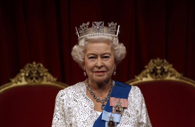 10 khoảnh khắc đã thay đổi Hoàng gia Anh mãi mãi trong một thập kỷ qua - Ảnh 2.