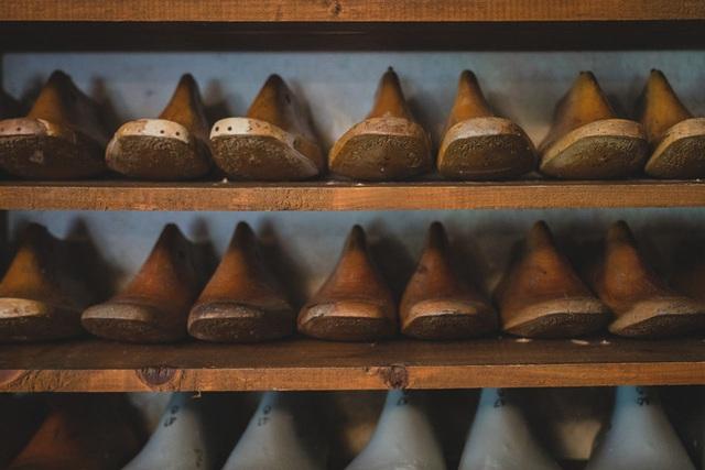Xưởng sản xuất khuôn giày thủ công có lịch sử hơn 100 năm tại Nhật Bản phải đóng cửa vì không theo kịp công nghệ in 3D - Ảnh 1.