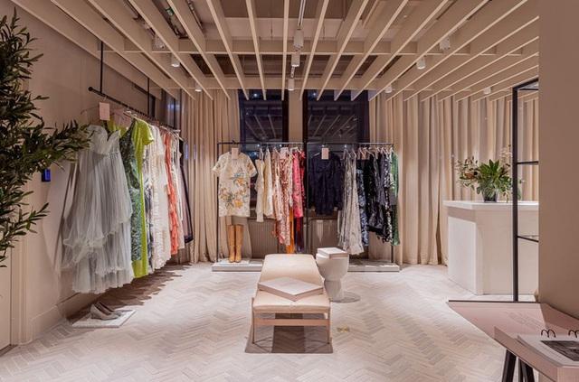 H&M Thụy Điển mở dịch vụ cho thuê quần áo với giá 850.000 VNĐ/tuần, dân tình la oai oái chê đắt - Ảnh 2.