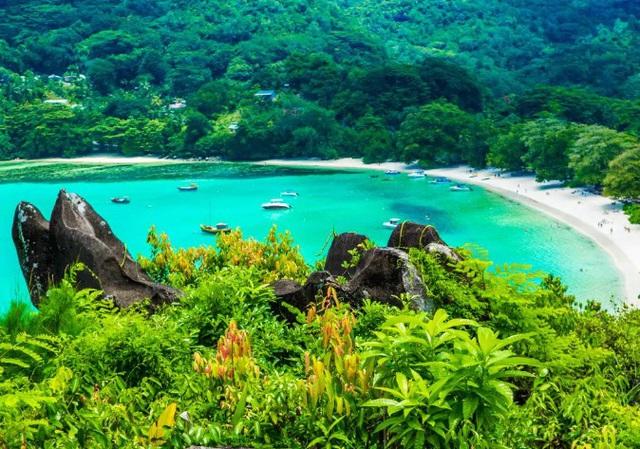Tour du lịch bằng chuyên cơ đắt nhất thế giới sẽ ghé qua Việt Nam - Ảnh 1.