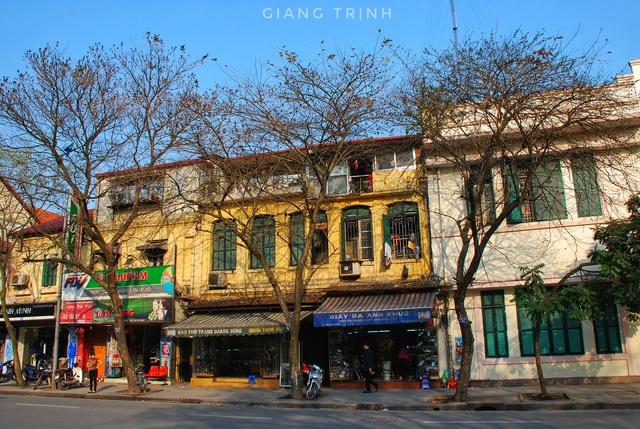 Chùm ảnh: Sự đổi thay ngỡ ngàng của những con phố cổ xưa trong lòng Hà Nội suốt 1 thập kỷ, nhìn lại ai cũng thấy mênh mang - Ảnh 3.