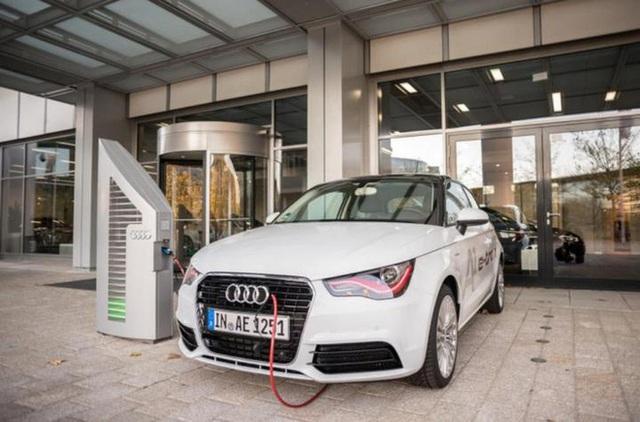 """Audi chi 13 tỷ USD cho kế hoạch """"điện khí hóa"""", đặt mục tiêu có 20 mẫu xe chạy hoàn toàn bằng điện vào năm 2025 - Ảnh 1."""