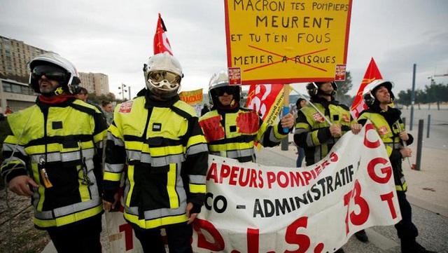 Hàng triệu người Pháp xuống đường trong ngày tổng đình công - Ảnh 1.