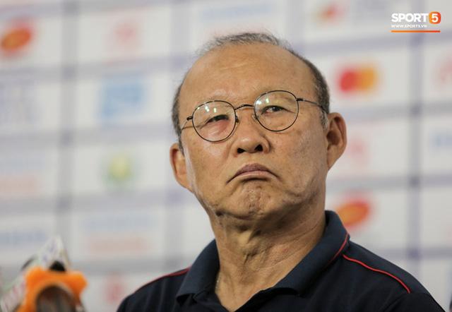 HLV Park Hang-seo tiết lộ gây sốc: U22 Việt Nam cạn thể lực rồi, đá bằng tinh thần ở bán kết SEA Games thôi - Ảnh 2.