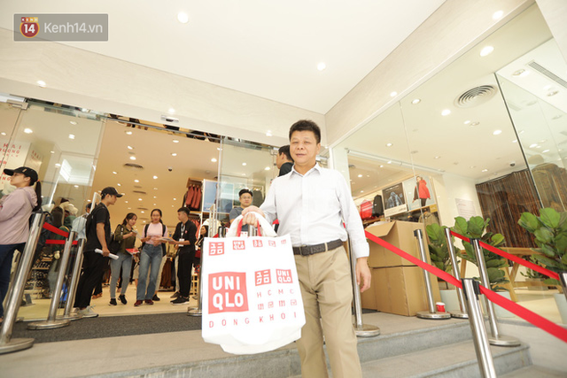 UNIQLO Đồng Khởi chính thức mở cửa, khách trung niên mua ác nhất - Ảnh 18.