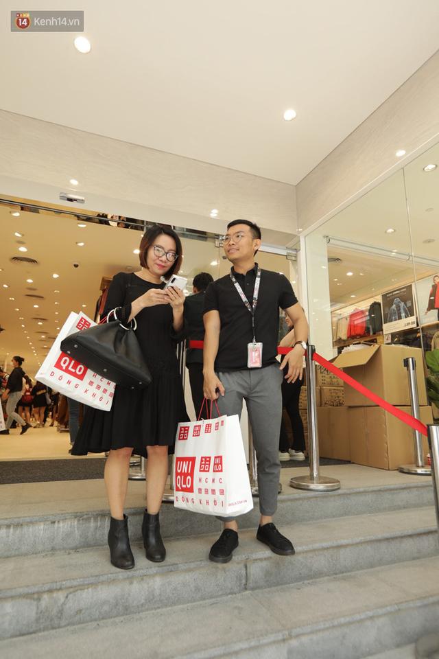 UNIQLO Đồng Khởi chính thức mở cửa, khách trung niên mua ác nhất - Ảnh 20.