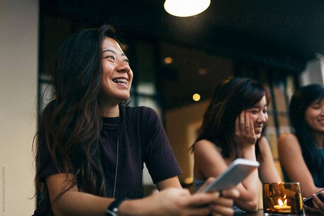 Giàu nhờ bạn, yên vui cũng nhờ bạn, nhưng kết giao nhầm với 2 kiểu bạn này thì muôn đời lầm lạc - Ảnh 3.