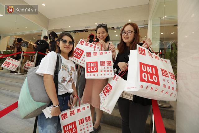 UNIQLO Đồng Khởi chính thức mở cửa, khách trung niên mua ác nhất - Ảnh 21.