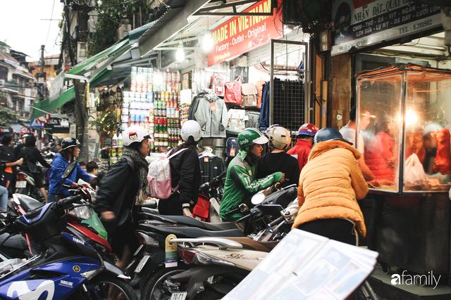 Bí mật thành công của hàng thịt quay lâu đời nhất Hà Nội, hơn 50 năm vẫn khiến khách xếp hàng dài như trẩy hội mỗi chiều - Ảnh 28.