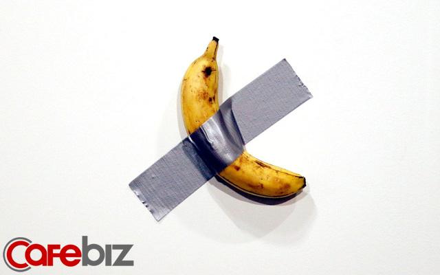 Tác phẩm nghệ thuật 'chuối' nhất thế giới: Một quả chuối mua ở siêu thị được dán lên tường bằng băng dính có giá 2,7 tỷ đồng! - Ảnh 1.