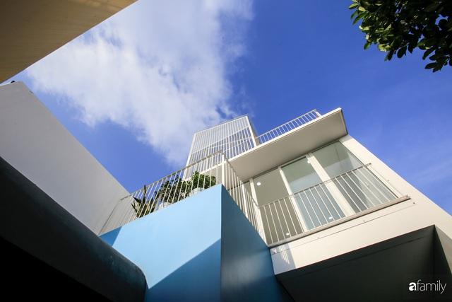 Ngôi nhà ở ngoại ô Sài Gòn thoáng mát với mặt tiền ấn tượng của gia đình 4 người - Ảnh 13.