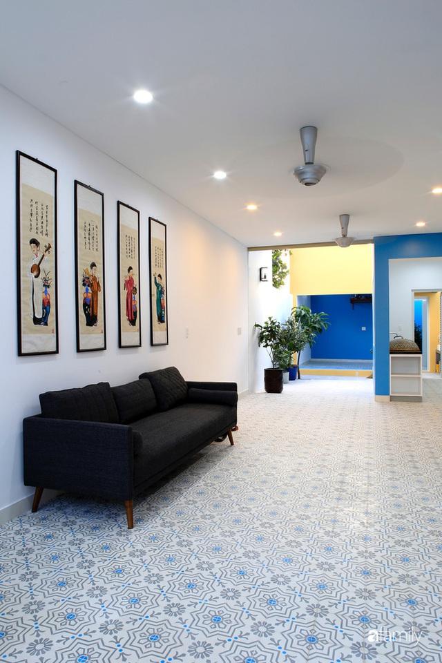 Ngôi nhà ở ngoại ô Sài Gòn thoáng mát với mặt tiền ấn tượng của gia đình 4 người - Ảnh 16.