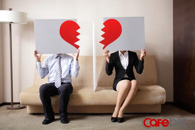 Kinh tế giảm tốc, ngày càng nhiều phụ nữ Hàn bỏ chồng theo cuộc chơi - Ảnh 1.
