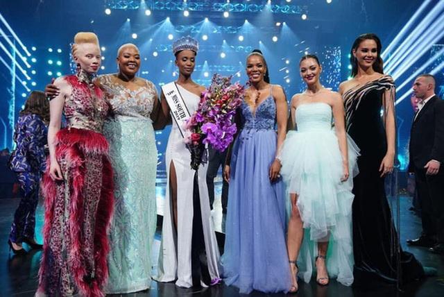 Proflie đầy ấn tượng và học vấn cực đỉnh của mỹ nhân Nam Phi vừa đăng quang Miss Universe 2019 - Ảnh 1.