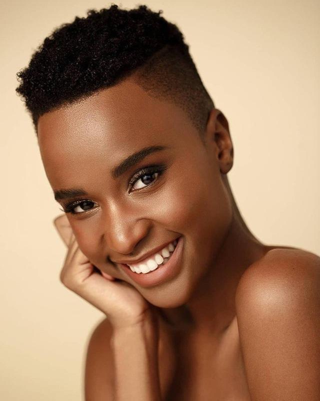 Proflie đầy ấn tượng và học vấn cực đỉnh của mỹ nhân Nam Phi vừa đăng quang Miss Universe 2019 - Ảnh 5.