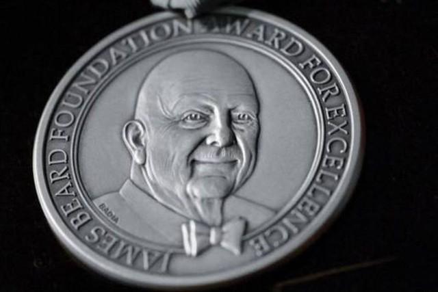 Tin vui cuối năm: nhà hàng phở Việt nhận giải Oscar làng ẩm thực danh giá của Mỹ - Ảnh 1.