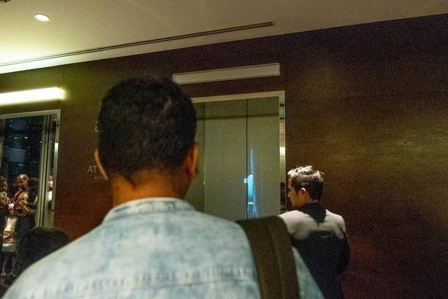 Bỏ 40 USD lên toà nhà cao nhất địa cầu ở Dubai, du khách ước mình không mua vé - Ảnh 19.