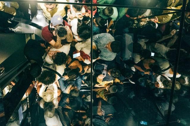 Bỏ 40 USD lên toà nhà cao nhất địa cầu ở Dubai, du khách ước mình không mua vé - Ảnh 20.