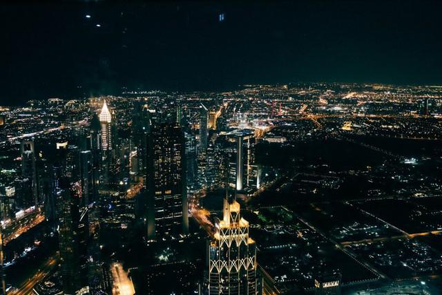 Bỏ 40 USD lên toà nhà cao nhất địa cầu ở Dubai, du khách ước mình không mua vé - Ảnh 24.