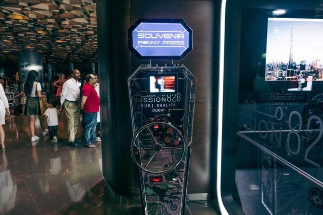 Bỏ 40 USD lên toà nhà cao nhất địa cầu ở Dubai, du khách ước mình không mua vé - Ảnh 28.