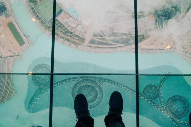 Bỏ 40 USD lên toà nhà cao nhất địa cầu ở Dubai, du khách ước mình không mua vé - Ảnh 31.