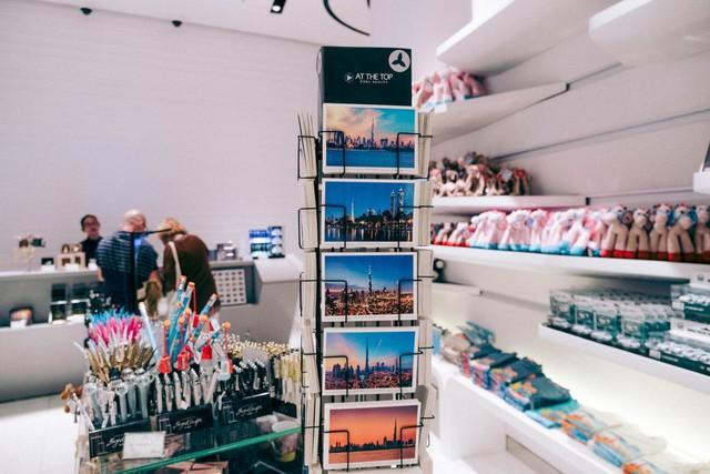 Bỏ 40 USD lên toà nhà cao nhất địa cầu ở Dubai, du khách ước mình không mua vé - Ảnh 39.